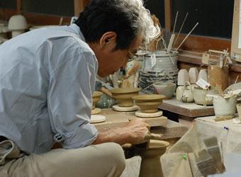 安南台皿-ろくろ制作