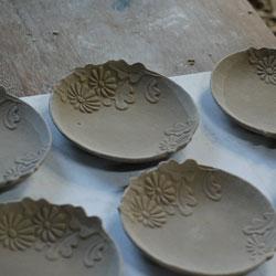 京焼 菊形小皿ー削り仕上げ