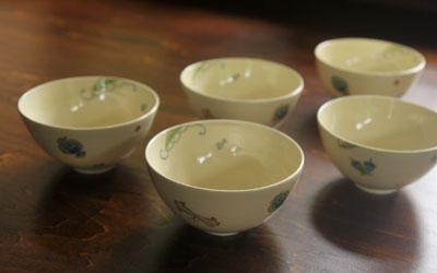 色絵宝尽くし紋煎茶碗
