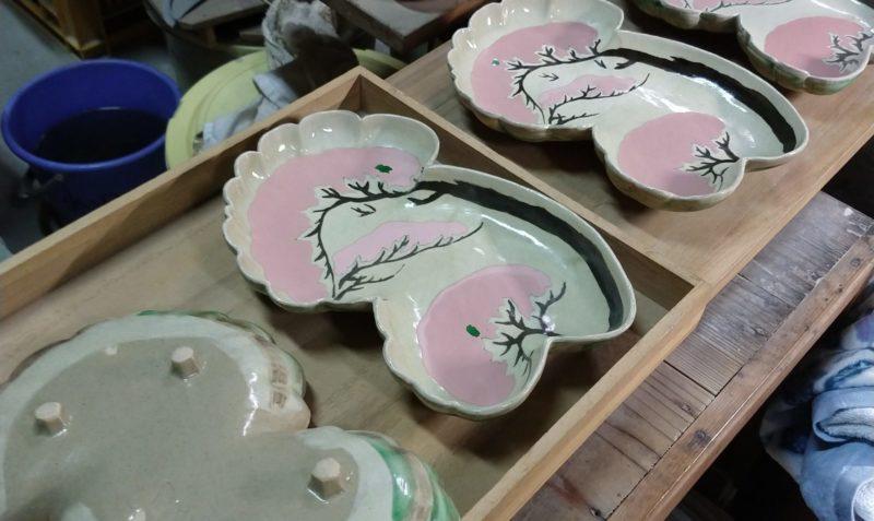 乾山写雪松図平鉢