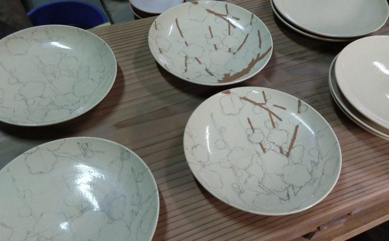 紅白梅文4寸皿