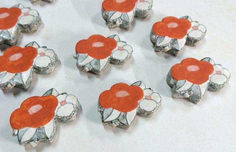 椿紋箸置き